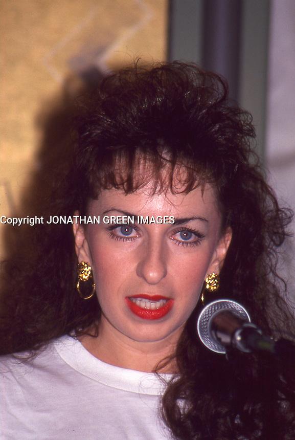 <b>Paula Jones</b> 1994 By Jonathan Green - Paula-Jones-1994-By-Jonathan-Green
