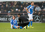 Hearts v St Johnstone&hellip;05.11.16  Tynecastle   SPFL<br />Chris Millar gets treatment from physio Tony Tompos<br />Picture by Graeme Hart.<br />Copyright Perthshire Picture Agency<br />Tel: 01738 623350  Mobile: 07990 594431