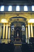 Nicholas Hawksmoor: St. George, Bloomsbury. Altar. Photo '90.