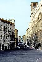Italy: Perugia--Piazza 4 Novembre, and the Piazza Italia, etc. Photo '83.