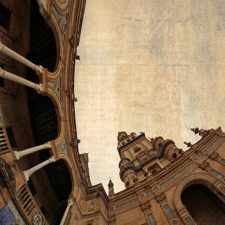 Sevilla, Plaza de Espana, Torre Sur