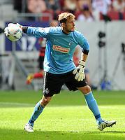 FUSSBALL   1. BUNDESLIGA  SAISON 2011/2012   1. Spieltag FC Augsburg - SC Freiburg            06.08.2011 Oliver Baumann (SC Freiburg)