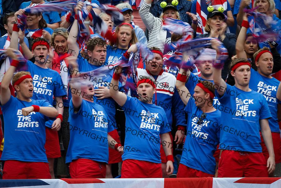 Davis Cup 2016 Quarter Final<br /> Srbija v Velika Britanija-Dubl-Doubles<br /> Dusan Lajovic SRB v Kyle Edmund GBR<br /> Great Britain fans supporters navijaci<br /> Beograd, 17.07.2016.<br /> Foto: Srdjan Stevanovic/Starsportphoto.com&copy;