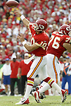 31 October 2004: The Chiefs' Trent Green (10) throws a pass late in the first period. The Kansas City Chiefs defeated the Indianapolis Colts 45-35 at Arrowhead Stadium in Kansas City, MO in a regular season National Football League game...