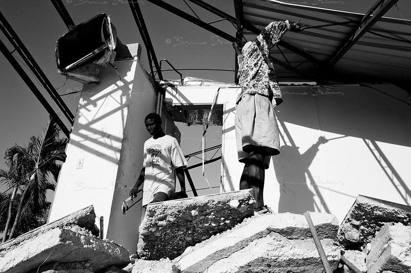 Port Au Prince, Haiti, Jan 21 2010.Workers are slowly starting to clean up the rubble of the Ministry of Foreign Affairs..