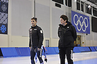 SPEED SKATING: SALT LAKE CITY: 18-11-2015, Utah Olympic Oval, ISU World Cup, training, Daniel Greig (AUS), Desly Hill (trainer/coach Team Stressless), ©foto Martin de Jong