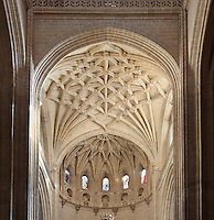 Ceiling above High Altar, 18th century, Segovia Cathedral, (Catedral de Segovia, Catedral de Santa Maria), 1525-77, by Juan Gil de Hontanon (1480-1526), and continued by his son Rodrigo Gil de Hontanon (1500-1577), Segovia, Castile and Leon, Spain. Last Gothic Cathedral in Spain, commissioned by Carlos V (1500-58), after an earlier cathedral was damaged in the Revolt of the Comuneros, 1520. Picture by Manuel Cohen