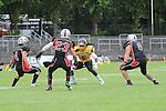 Tyler DAVIS (5) (Munich Cowboys) setzt zu seinem Lauf zum Touch Down zum 20:6 an David GIRON (4) (Rhein-Neckar Bandits), Darius MARMOL CARMONA (23) (Rhein-Neckar Bandits) und Mirko HERRMANN (8) (Rhein-Neckar Bandits) bleiben nur Zuschauer im Spiel der GFL Munich Cowboys - Rhein Neckar Bandits.<br /> <br /> Foto &copy; P-I-X.org *** Foto ist honorarpflichtig! *** Auf Anfrage in hoeherer Qualitaet/Aufloesung Belegexemplar erbeten Veroeffentlichung ausschliesslich fuer journalistisch-publizistische Zwecke For editorial use only.