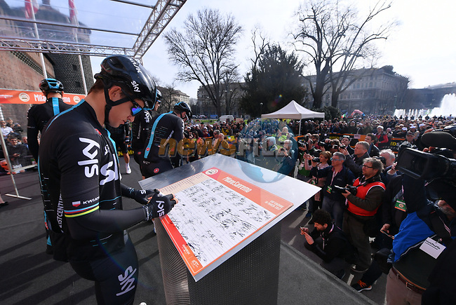 Michal Kwiatkowski (POL) Team Sky at sign on before the start of the 108th edition of Milan-San Remo 2017 by NamedSport the first Classic Monument of the season running 291km from Milan to San Remo, Italy. 18th March 2017.<br /> Picture: La Presse/Gian Mattia D'Alberto | Cyclefile<br /> <br /> <br /> All photos usage must carry mandatory copyright credit (&copy; Cyclefile | La Presse)