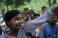 Ragazzi dell' hasram di Kailash Satyarthi Nobel per la pace 2014 (inizi anni 2000)<br /> Ragazzi recuperati dal lavoro minorile