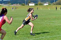 Touch Junior Hutt Valley Girls Division 1 Upper Hutt College 1 v Newlands 1, 6/11/2012<br />