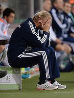 FUSSBALL INTERNATIONAL Laenderspiel Freundschaftsspiel U 21   Deutschland - Frankreich     13.08.2013 DFB Trainer Horst Hrubesch (Deutschland) nachdenklich