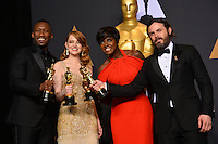 Mahershala Ali, Emma Stone, Viola Davis &amp; Casey Affleck in the photo room at the 89th Annual Academy Awards at Dolby Theatre, Los Angeles, USA 26 February  2017<br /> Picture: Paul Smith/Featureflash/SilverHub 0208 004 5359 sales@silverhubmedia.com