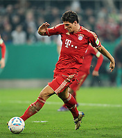 FUSSBALL   DFB POKAL   SAISON 2011/2012   HALBFINALE   21.03.2012 Borussia Moenchengladbach - FC Bayern Muenchen  Mario Gomez (FC Bayern Muenchen) am Ball