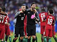 FUSSBALL EURO 2016 FINALE IN PARIS  Portugal - Frankreich     10.07.2016 JUBEL Portugal; Torwart Eduardo (re) und Torwart Anthony Lopes