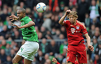 FUSSBALL   1. BUNDESLIGA   SAISON 2011/2012   32. SPIELTAG SV Werder Bremen - FC Bayern Muenchen               21.04.2012 Naldo (li, SV Werder Bremen) gegen Anatoliy Tymoshchuk (re, FC Bayern Muenchen)