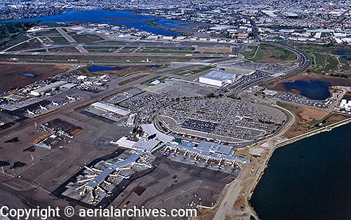 aerial photograph Oakland International airport