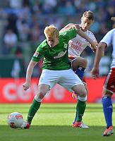 FUSSBALL   1. BUNDESLIGA   SAISON 2012/2013   2. Spieltag SV Werder Bremen - Hamburger SV                     01.09.2012         Kevin De Bruyne (SV Werder Bremen) gegen Robert Tesche (re, Hamburger SV)