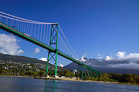 Vancouver, BC, Canada, August 2006. The Lions gate Bridge. Squeezed in between the Rocky Mountains and the Pacific Ocean, Vancouver has a special feel. Photo by Frits Meyst/Adventure4ever.com