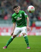 FUSSBALL   1. BUNDESLIGA   SAISON 2012/2013    24. SPIELTAG SV Werder Bremen - FC Augsburg                           02.03.2013 Zlatko Junuzovic (SV Werder Bremen) Einzelaktion am Ball