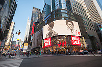 "The H&M department store in Times Square advertises their ""final sale"" on merchandise, seen on Wednesday, January 25, 2017. (© Richard B. Levine)"