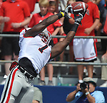 Georgia tight end Orson Charles (7) makes a two yard touchdown catch against Mississippi at Vaught-Hemingway Stadium in Oxford, Miss. on Saturday, September 1724, 2011. (AP Photo/Oxford Eagle, Bruce Newman)..
