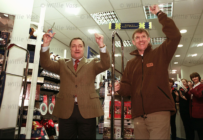 Dick Advocaat and Bert Van Lingen open a Rangers Shop in East Kilbride in 1999