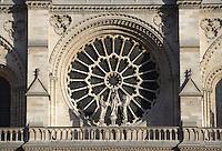 Stone rose window, western façade, built between 1210 and 1220, 13 meters in diameter and 21 meters high, Notre Dame de Paris, 1163 ? 1345, initiated by the bishop Maurice de Sully, Ile de la Cité, Paris, France. Picture by Manuel Cohen