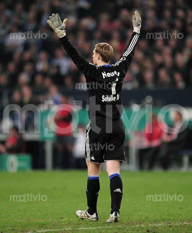FUSSBALL   DFB POKAL   SAISON 2009/2010  HALBFINALE FC Schalke 04  - FC Bayern Muenchen                 24.03.2010 Torwart  Manuel Neuer  (Schalke)