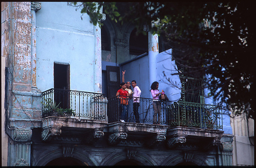Kids on Balcony, Old Havana, Cuba 2010 by Paul Cooklin