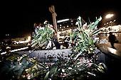 Warsaw 13/04/2010 Poland<br /> People mourning the tragic death of President Lech Kaczynski and his wife.<br /> on pictures: cleaning service clean up the flowers and candles.<br /> Photo: Adam Lach / Napo Images for The New York Times<br /> <br /> Zaloba po tragicznej smierci Prezydenta Lecha Kaczynskiego i jego malzonki.<br /> na zdjeciu: sluzby porzadkowe sprzataja kwiaty i swieczki z placu pilsudzkiego.<br /> Fot: Adam Lach / Napo Images for The New York Times