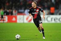 FUSSBALL   CHAMPIONS LEAGUE   SAISON 2011/2012  Bayer 04 Leverkusen - FC Valencia           19.10.2011 Michal KADLEC  (Bayer 04 Leverkusen) Einzelaktion am Ball