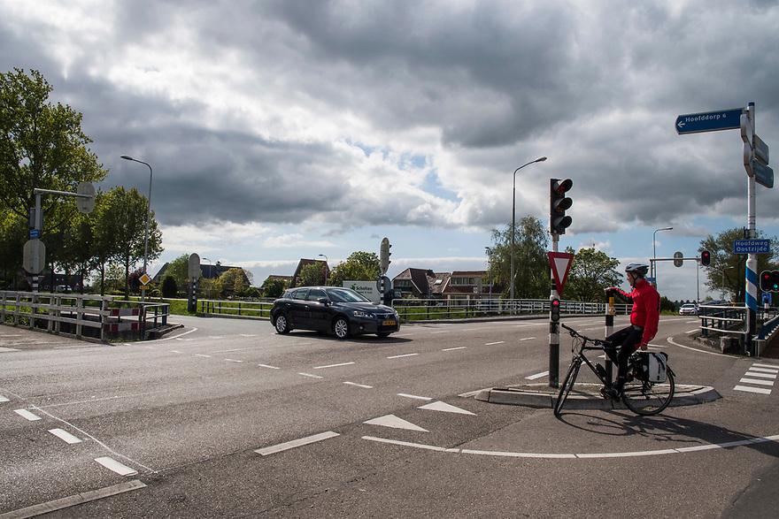 Nederland, Lijnden, 20170509<br /> Kruising van regionale wegen.<br /> <br /> <br /> Foto: (c) Michiel Wijnbergh