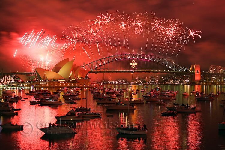 New Year's Eve fireworks over Sydney harbour.  Sydney, New South Wales, AUSTRALIA