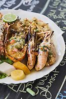 """France/DOM/Martinique/Grand-Rivière :  La Grillade du pécheur ,langouste , écrevisses  , Crabe et   Poisson Recette d' Arlette  du Restaurant """"Chez Tante Arlette"""