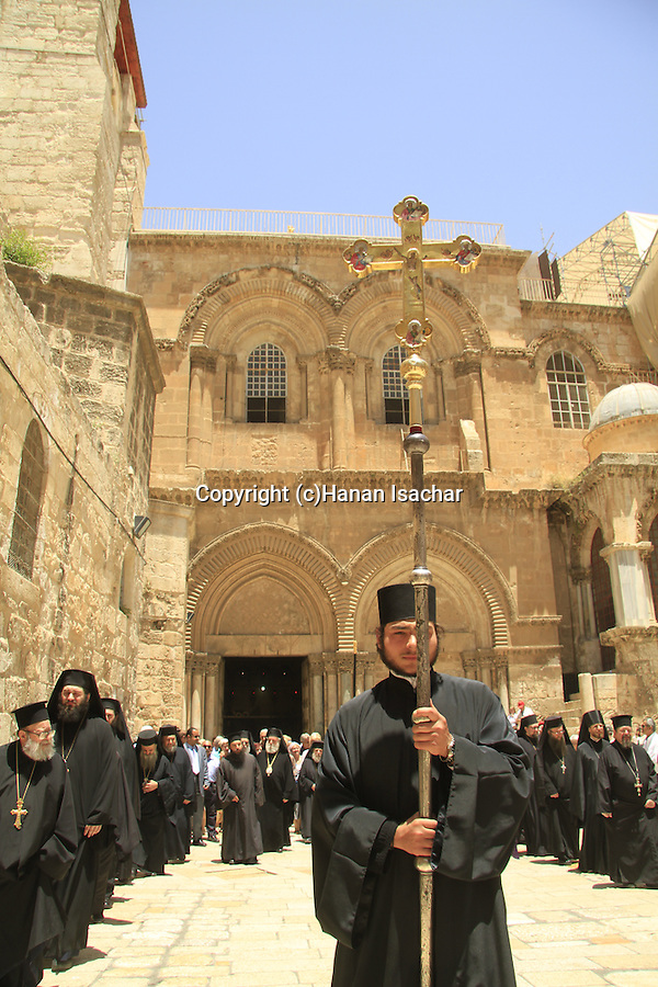 Israel, Jerusalem, Pentecost, Greek Orthodox procession at the Church of the Holy Sepulchre