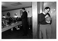 Bill Bradley delivers his stump speech at a diner in Concord during the run up to the 2000 New Hampshire primary.