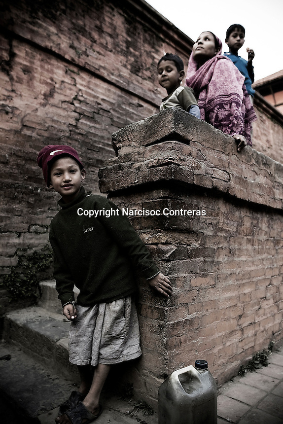 For the last three years, Nepal has been a Democratic Republic. After long years of armed struggle to transform the monarchical regime, Maoism triumphed in the ballot box and the country woke up to a new reality. At least 70% of the country&acute;s population gave their vote to bring a prime minister into power who will rule with the promise of communist freedom, a freedom which has within its scope the abolition of all religious practice within the country, of any cult or form of adoration. But in spite of this conscience with which Maoism rules today in Nepal, the leaders continue to have faith in the undisturbed and steady transformation of the electorate. What it really boils down to is that, under the scrupulous and all-pervading gaze of their leaders, that person only is considered a true communist, who is seen to have abandoned his religious beliefs and become converted into an activist for the Maoist cause, whereas those persons only pass as forming part of the mass called &quot;voters&quot; who view themselves as communists, who at the same time perform the rituals and privations of religious practices, which are principally of Hindu or Buddhist origin.<br /> <br /> Nepal continues to proceed along its path of poverty, while the general mass of people begin to perceive the result of their election, their leaders' gamble remains up in the air: that they can transform the country's faith, so deep and rooted as much in the ideal of social justice, the sharing of wealth and a socialist society, as it is in Buddha, Laxmi or Shiva, gods and symbols of the thousand-year-old religious tradition of this people, inheritors of a rich and ancient spirituality, heirs of Brahman.