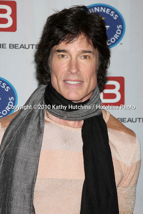 "Ronn Moss.Guinness World Records®  presents THE BOLD AND THE BEAUTIFUL with the certification as the  ""Most Popular Daytime TV Soap - Current..Bold & Beautiful Set, Stage 31, CBS Televsion CIty.Los Angeles, CA.May 18, 2010.©2010 Kathy Hutchins / Hutchins Photo.."