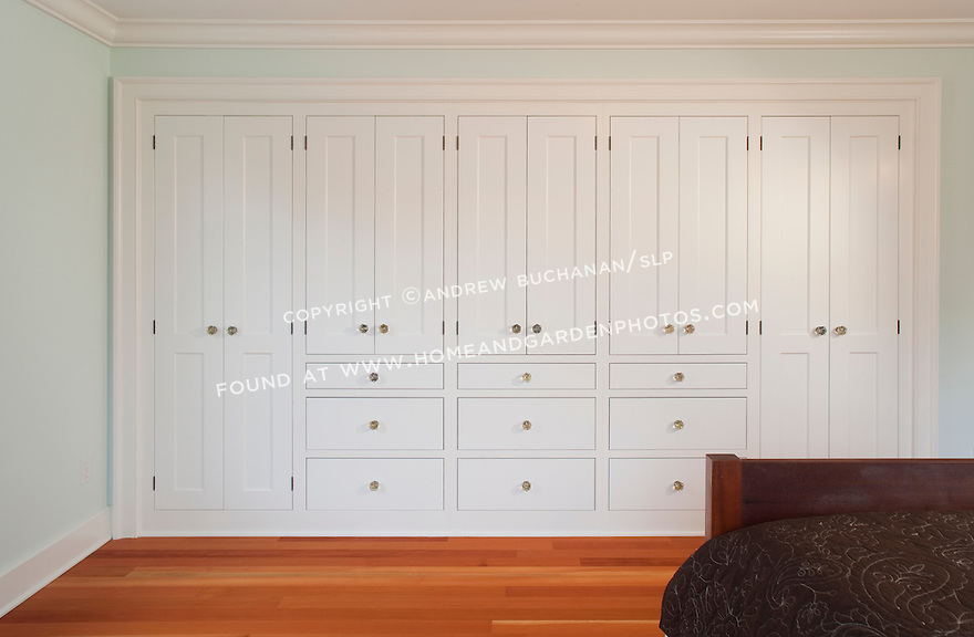 Remarkable Bedroom Built in Wall Storage Cabinets 880 x 576 · 109 kB · jpeg