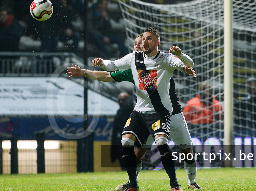 20161217 - ROESELARE , BELGIUM : Roeselare's Mathieu Cornet pictured with Cercle's Niels Coussement (behind) during the Proximus League match of D1B between Roeselare and Cercle Brugge, in Roeselare, on Saturday 17 December 2016, on the day 20 of the Belgian soccer championship, division 1B. . SPORTPIX.BE | DAVID CATRY