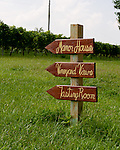 A directions sign points the way to the facilities at General's Ridge Vineyard and Winery.