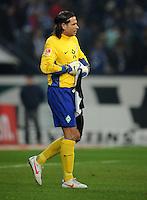 FUSSBALL   1. BUNDESLIGA   SAISON 2011/2012    17. SPIELTAG FC Schalke 04 - SV Werder Bremen                            17.12.2011 Tim WIESE (Bremen) ist enttaeuscht