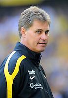 2. Oktober 2011: Muenchen, Allianz Arena: Fussball 2. Bundesliga, 10. Spieltag: TSV 1860 Muenchen - SG Dynamo Dresden: Dresdens Trainer Ralf Loose nachdenklich.