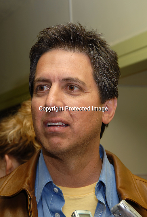 ray romano height
