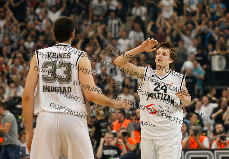 Kosarka, Euroleague, sezona 2009/2010, play off.Partizan Vs. Maccabi (Tel Aviv), Game 3.Slavko Vranes, left and Jan Vesely, right.Belgrade, 30.03.2010..foto: Srdjan Stevanovic/Starsportphoto ©