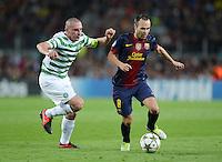 FUSSBALL   INTERNATIONAL   CHAMPIONS LEAGUE   2012/2013      FC Barcelona - Celtic FC Glasgow       23.10.2012 Andres Iniesta (re, Barca) gegen Scott Brown (Celtic)