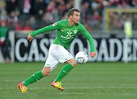 FUSSBALL   1. BUNDESLIGA   SAISON 2011/2012    20. SPIELTAG  05.02.2012 SC Freiburg - SV Werder Bremen Lukas Schmitz (SV Werder Bremen) am Ball