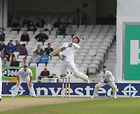 Cricket-England v South Africa-Investec PR-Headingley-02/08/2012-Pictures by Paul Currie-KEEP-Investec PR AB De Villiers avoids a shot from steven finn