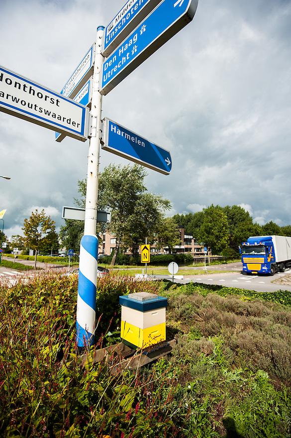 Nederland, Woerden, 11 sept  2013<br /> Bijenkast op een rotonde in Woerden. <br /> Foto(c): Michiel Wijnbergh